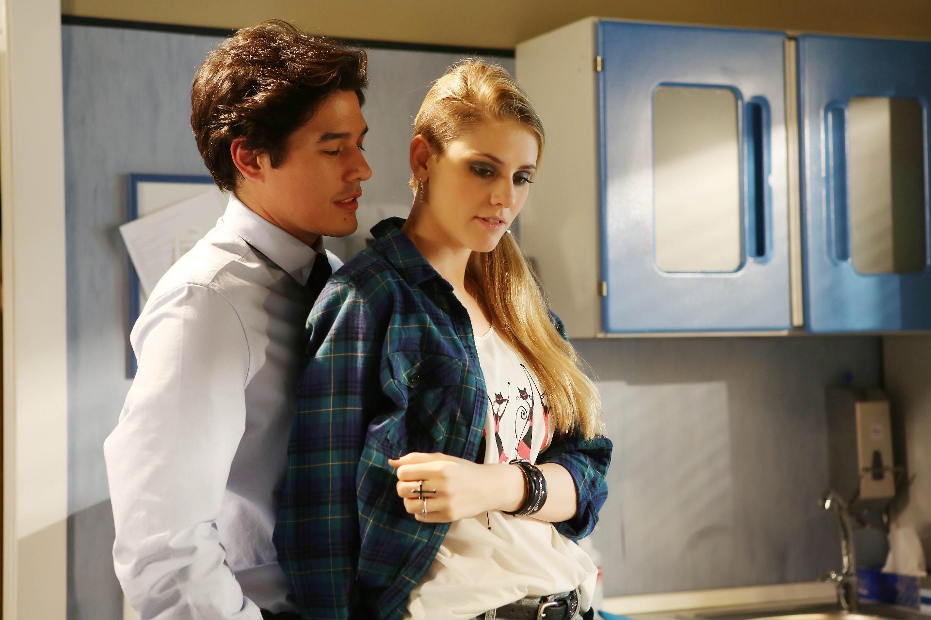 Che Dio ci aiuti: Cristiano Caccamo e Arianna Montefiori in una foto della quarta stagione