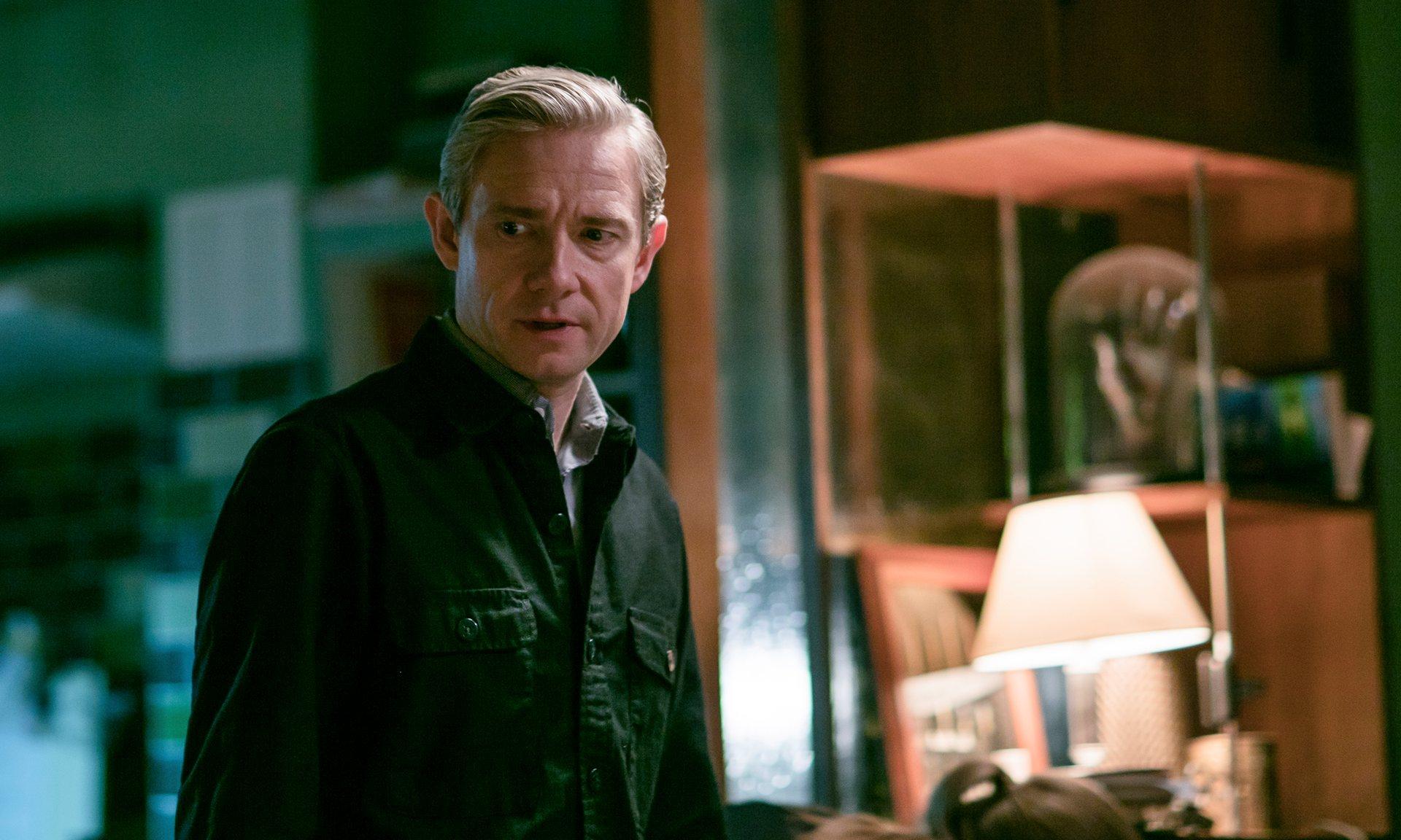 Sherlock: un primo piano di Martin Freeman nella stagione 4