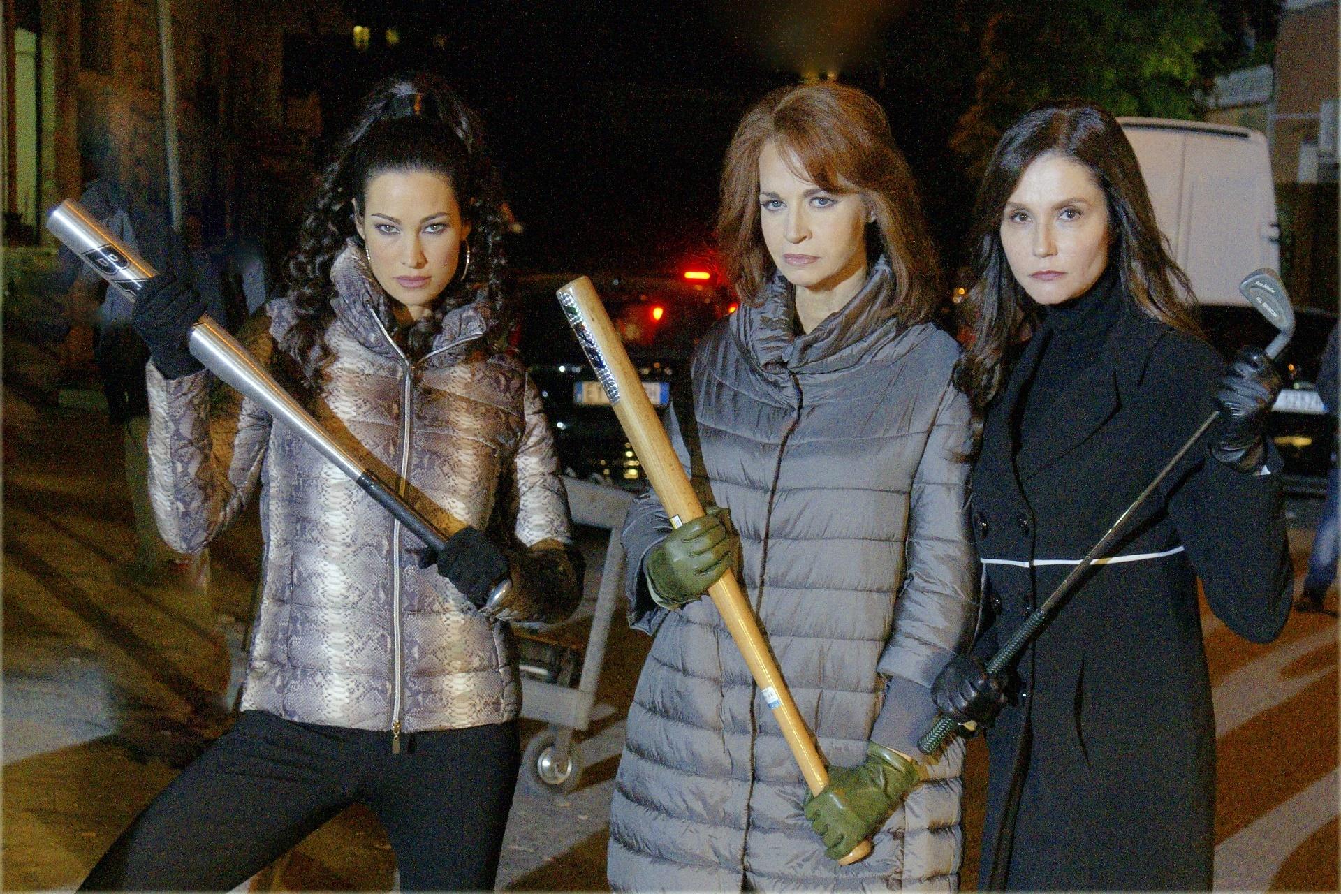 Il bello delle donne: una foto di Manuela Arcuri, Giuliana De Sio e Alessandra Martines