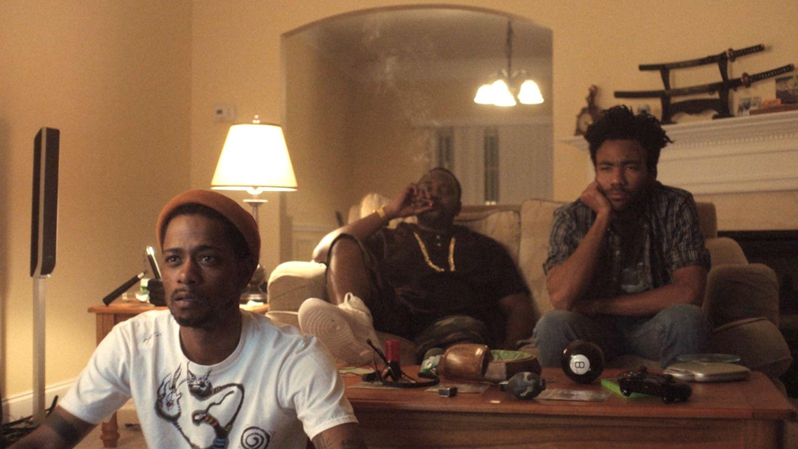 Atlanta: il cast in una scena della serie