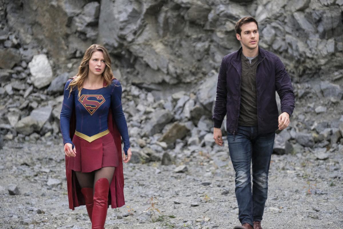 Supergirl: Melissa Benoist e Chris Wood nell'episodio Supergirl Lives
