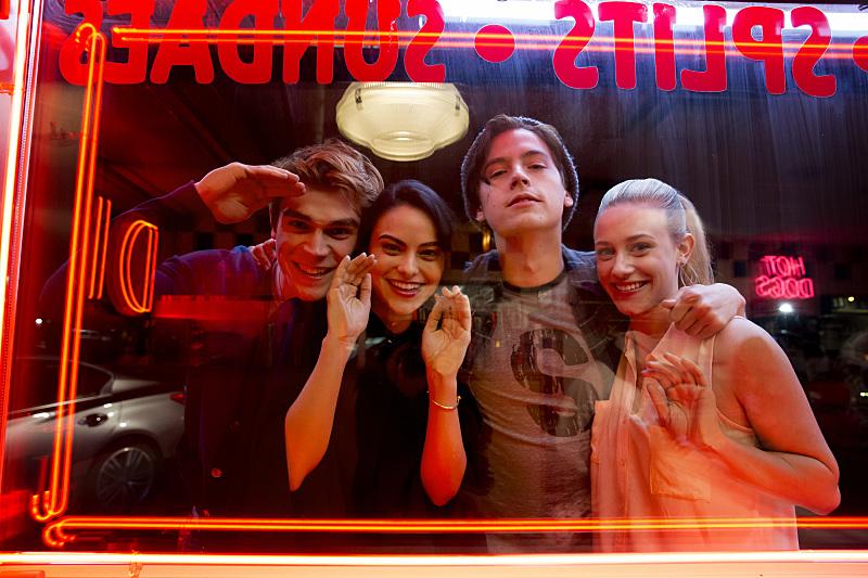 Riverdale: i protagonisti nell'episodio The River's Edge
