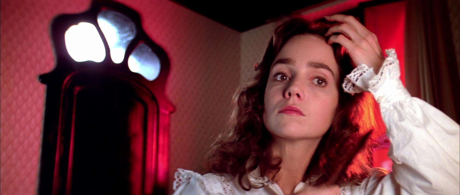 Jessica Harper nella scena dei vermi in Suspiria