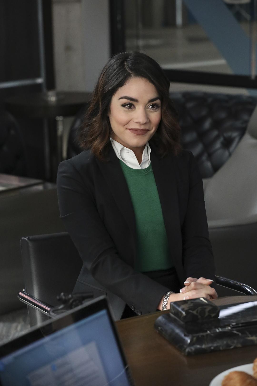 Powerless: l'attrice Vanessa Hudgens in una foto della serie