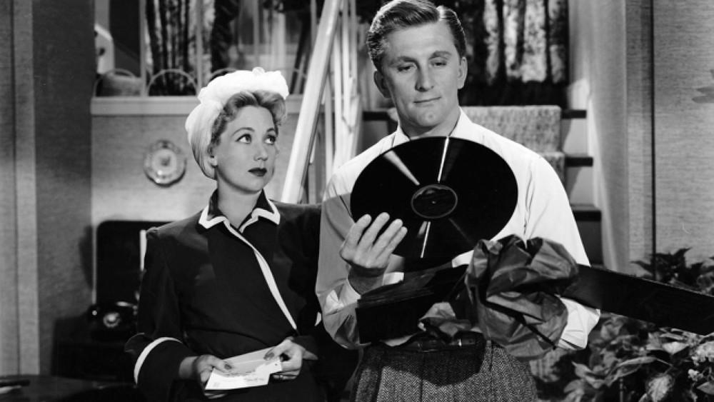 Lettera a tre mogli: Kirk Douglas in una scena del film
