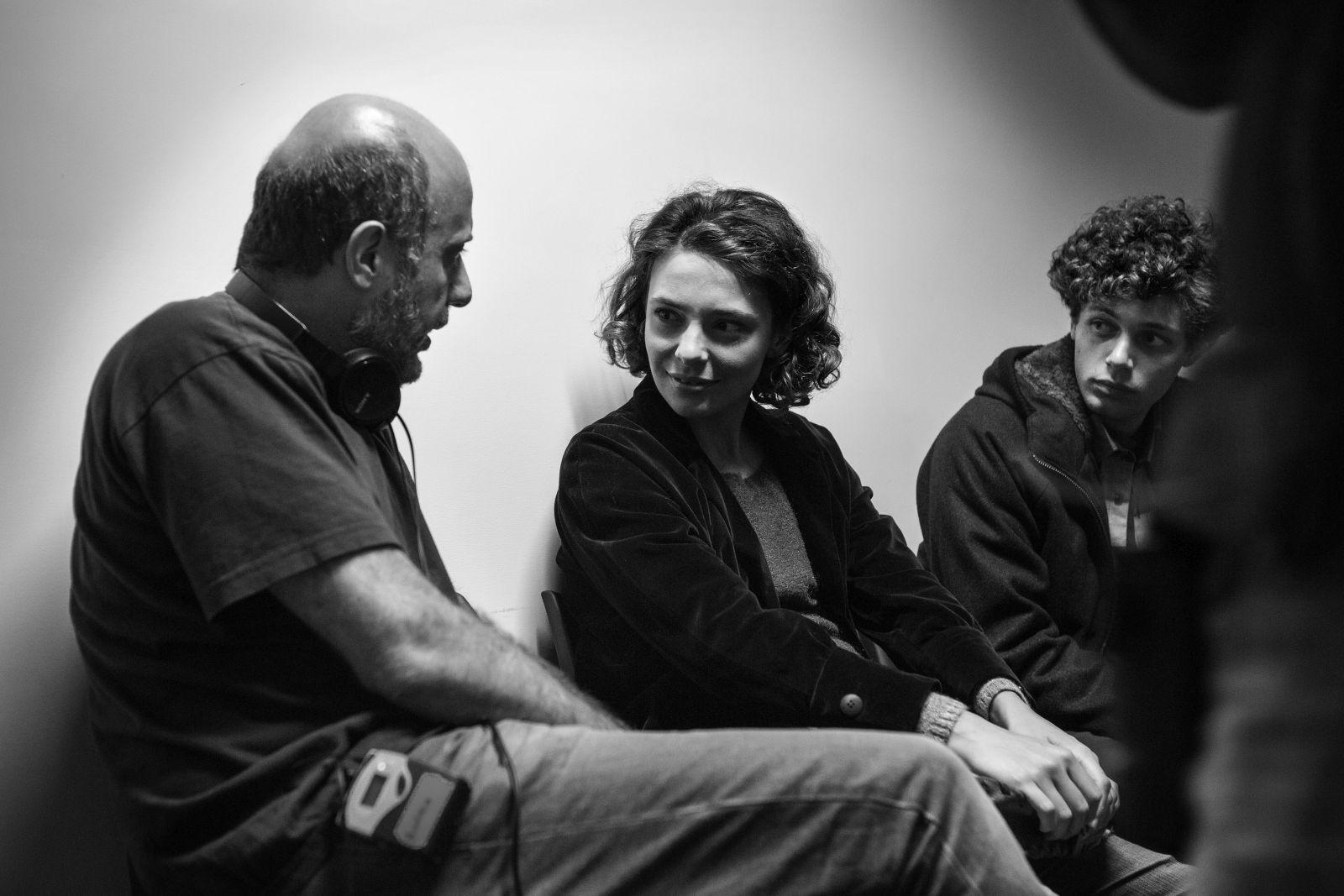 Esclusiva: Slam - Tutto per una ragazza, Jasmine Trinca, Andrea Molaioli e Ludovico Tersigni in una foto dal set