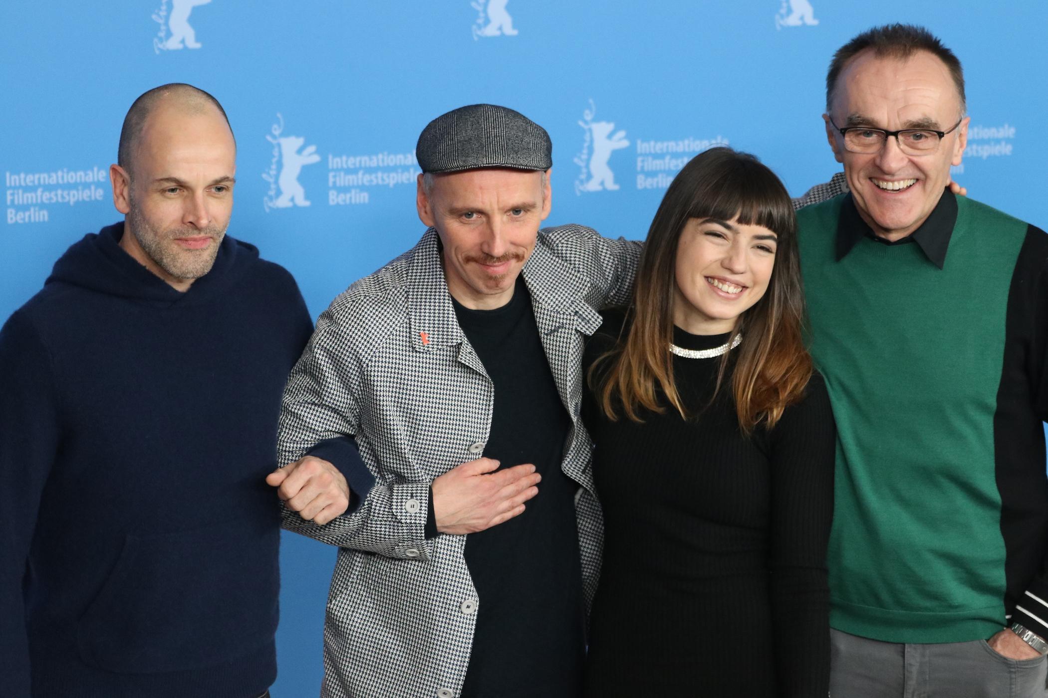 Berlino 2017: Ewen Bremner, Danny Boyle, Jonny Lee Miller e Anjela Nedyalkova al photocall di T2 Trainspotting