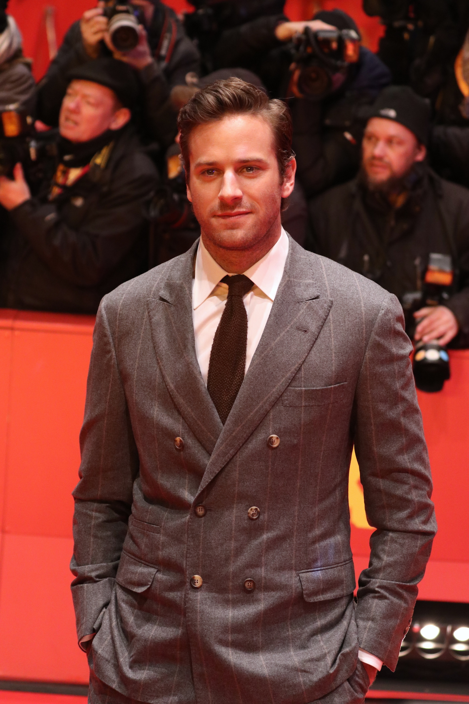 Berlino 2017: uno scatto di Armie Hammer sul red carpet di Final Portrait