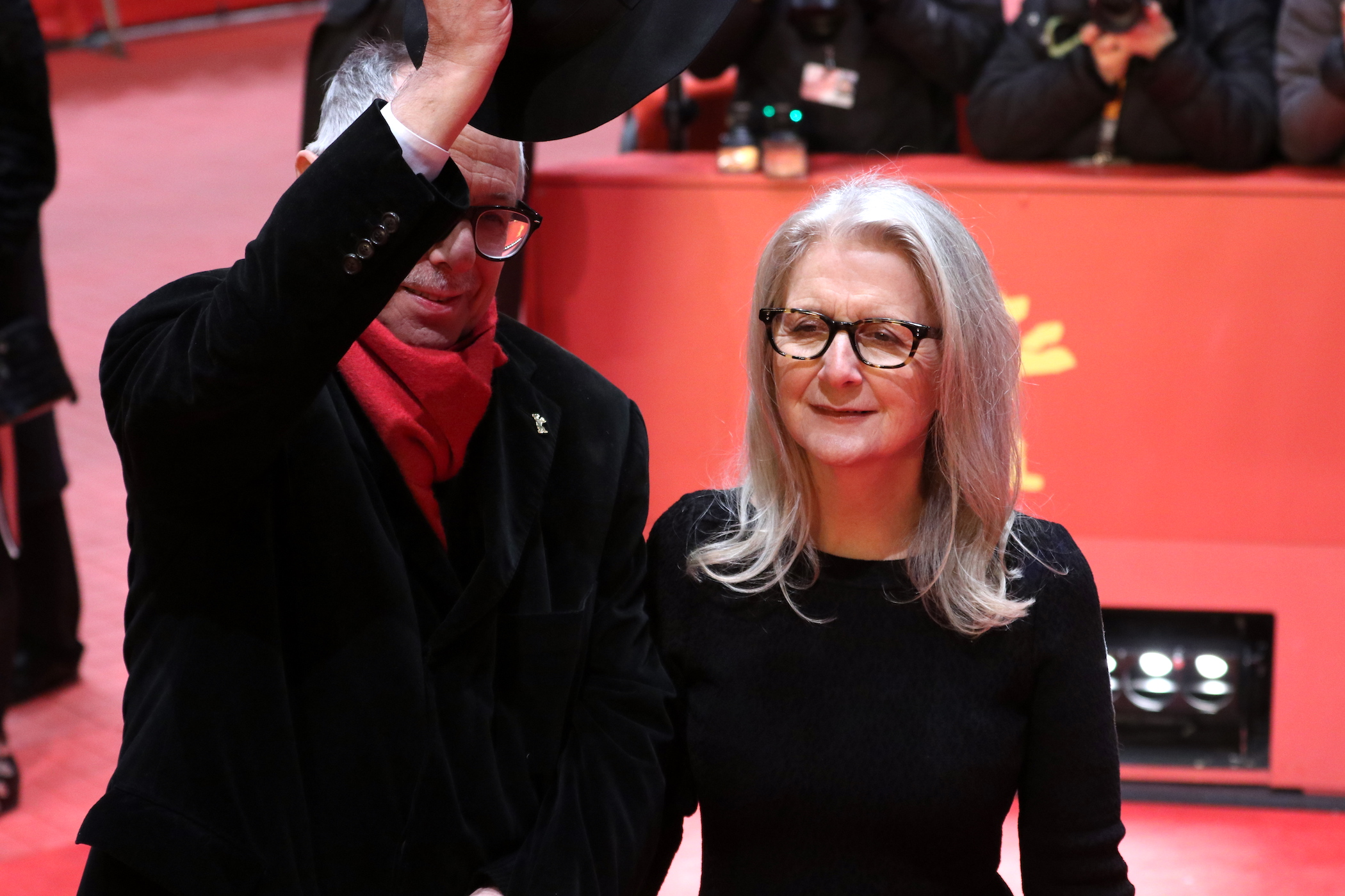 Berlino 2017: uno scatto di Sally Potter sul red carpet di The party