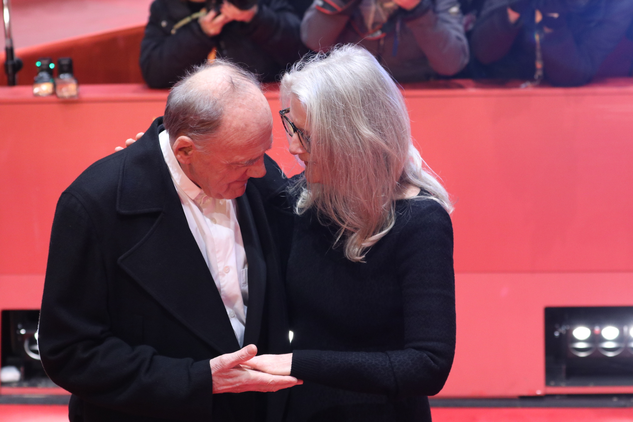 Berlino 2017: Sally Potter e Bruno Ganz sul red carpet di The party