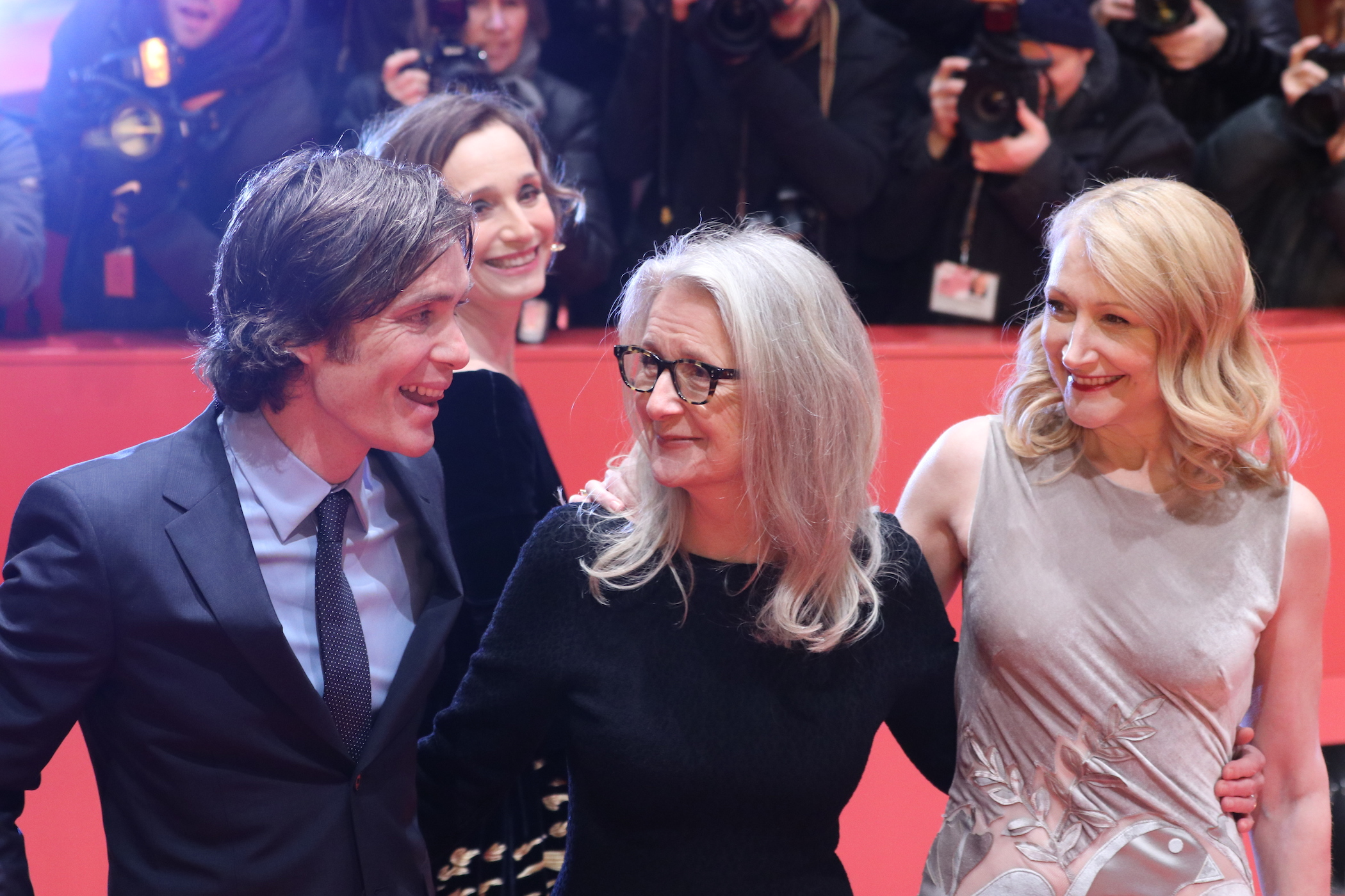 Berlino 2017: Patricia Clarkson, Cillian Murphy e Sally Potter sul red carpet di The party