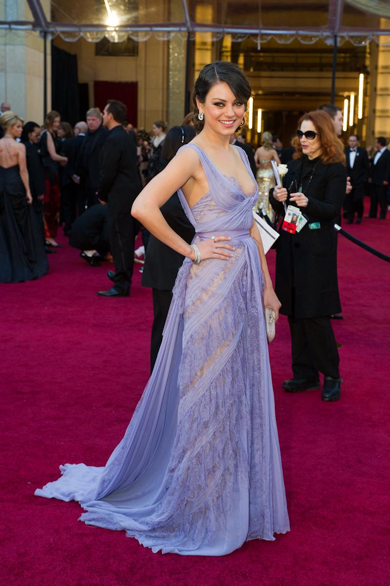 Mila Kunis alla cerimonia degli Oscar del 2011