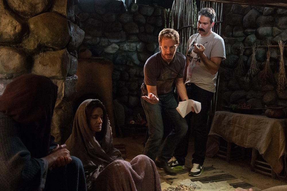 Piena di grazia: il regista Andrew Hyatt e Bahia Haifi sul set del film