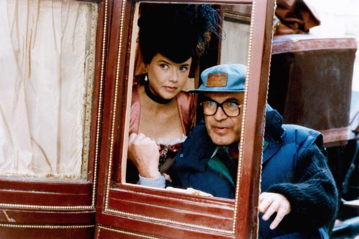 Valmont: Annette Bening e Milos Forman sul set del film