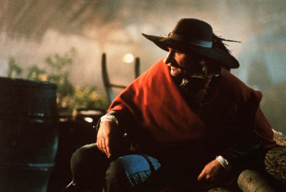 Cyrano de Bergerac: Gérard Depardieu in una scena del film