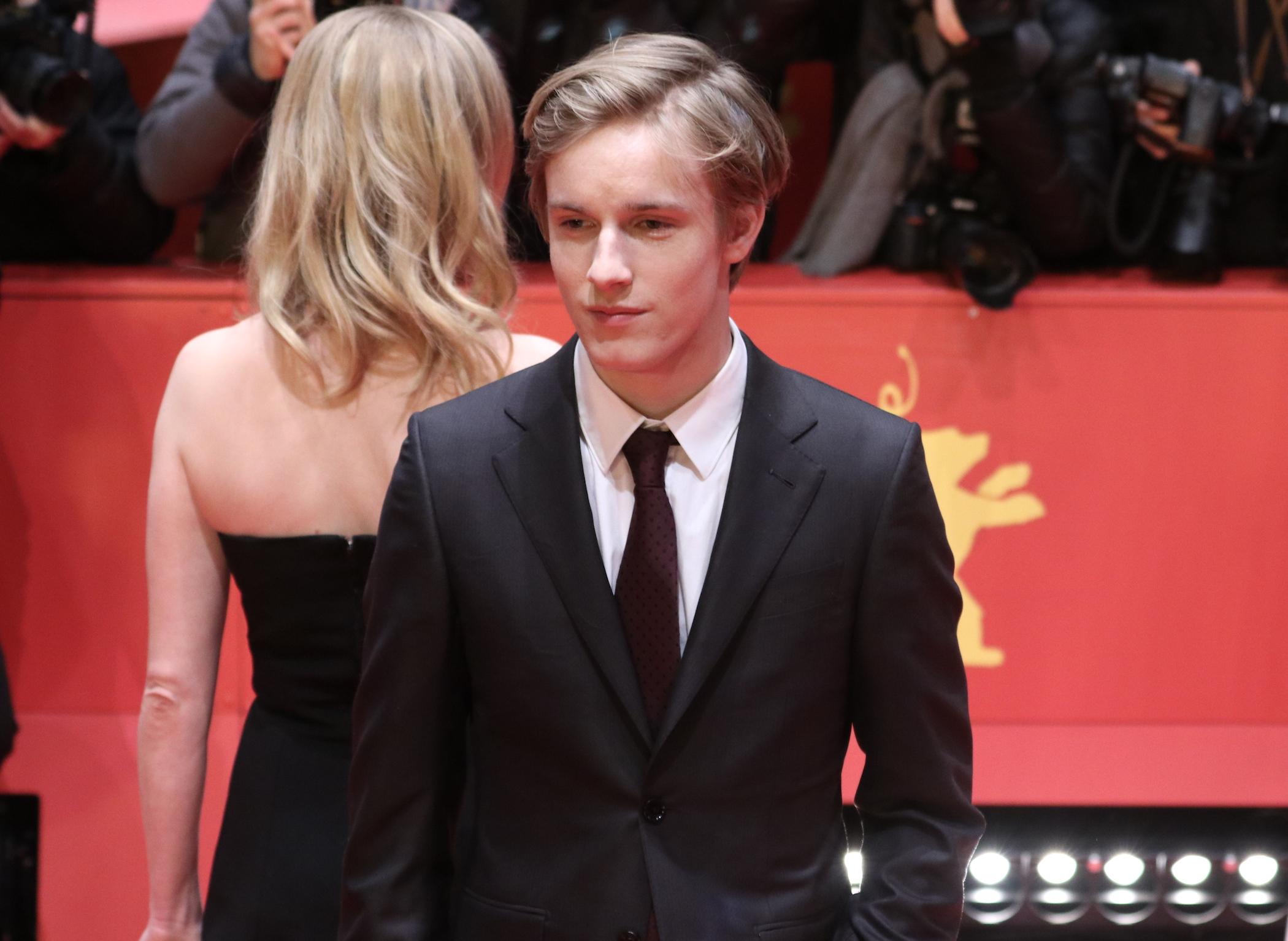 Berlino 2017: Louis Hofmann sul red carpet dello European Shooting Star