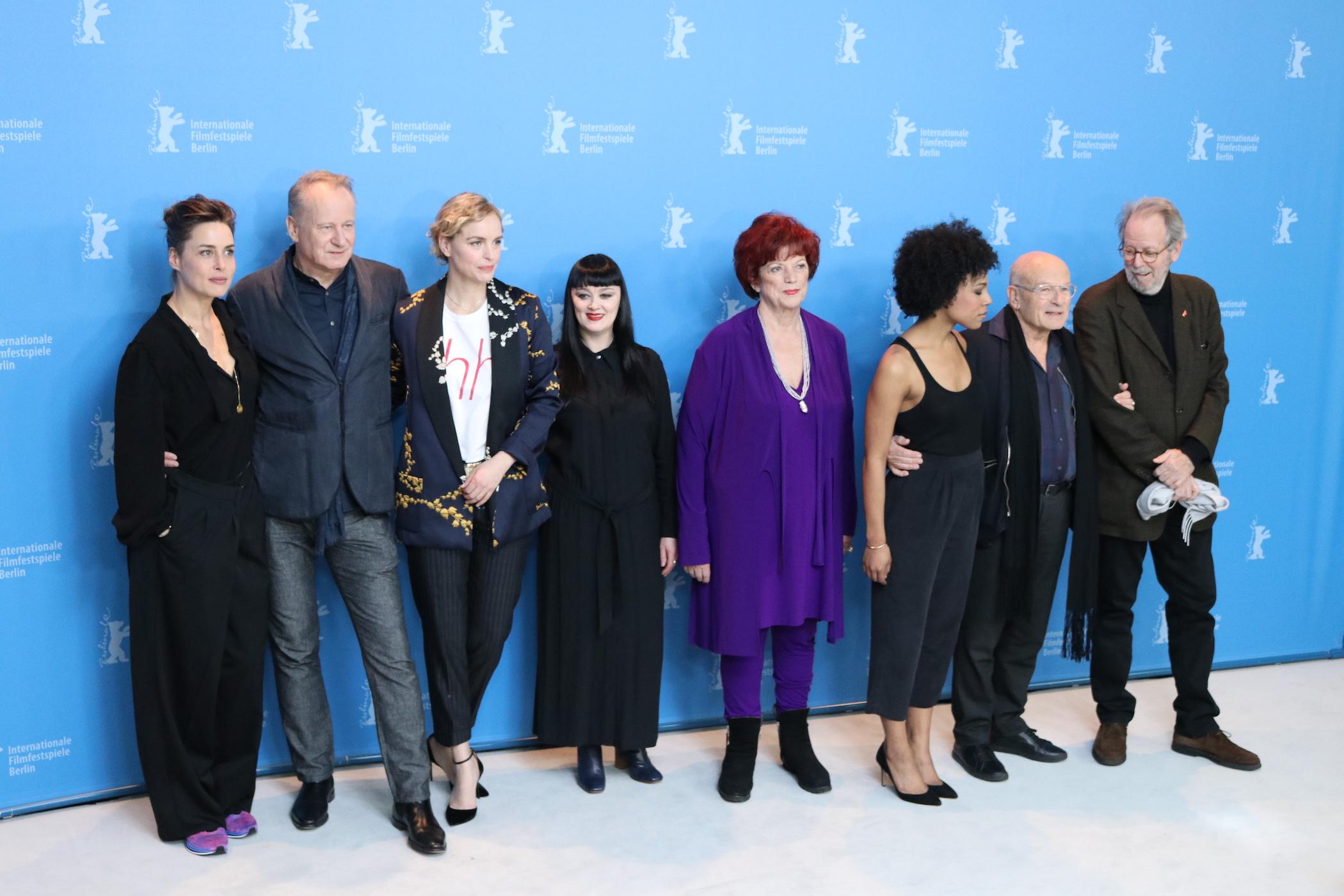 Berlino 2017: Volker Schlöndorff, Nina Hoss, Susanne Wolff, Stellan Skarsgård al Photocall di Return to Montauk