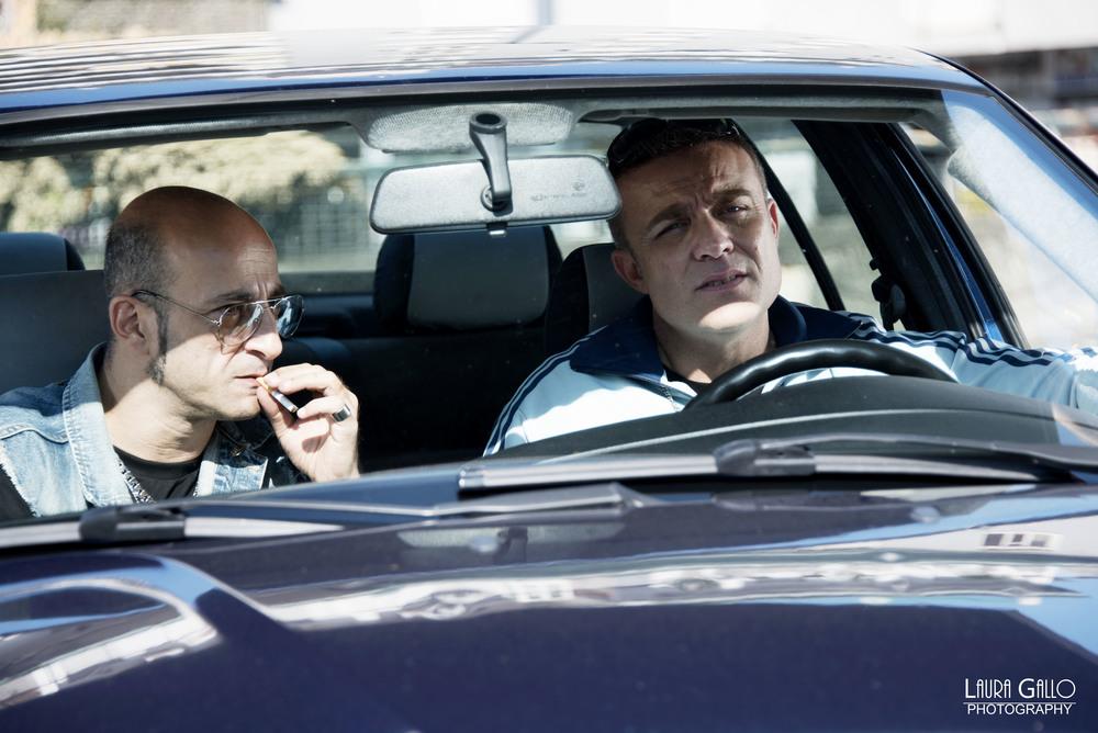 Gomorroide: Raffaele Ferrante e Francesco De Fraia in macchina in una scena del film