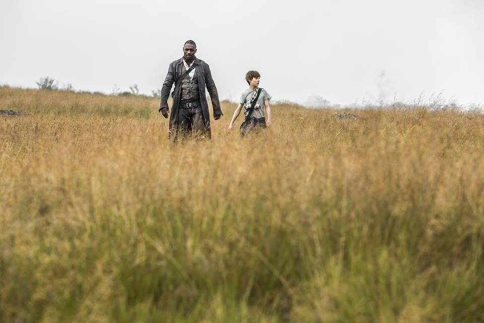 The Dark Tower: un'immagine di Idris Elba e Tom Taylor