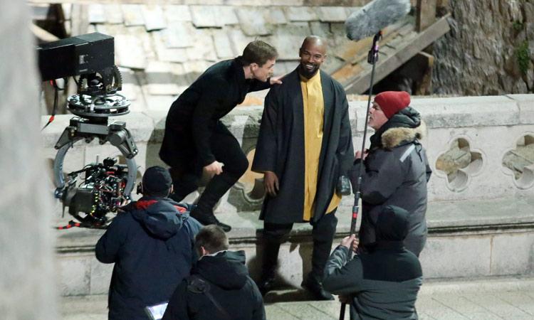 Robin Hood: Origins, gli attori Taron Egerton e Jamie Foxx sul set