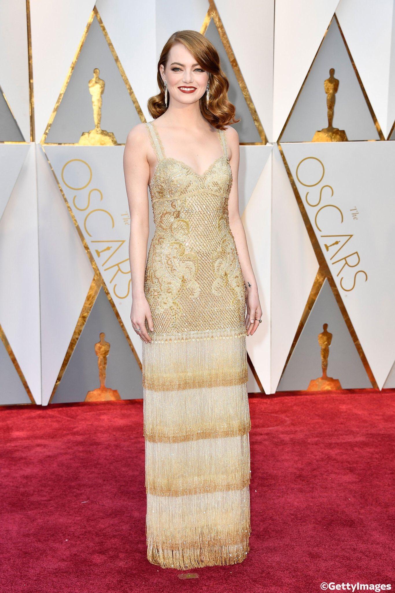 Oscar 2017: la bellissima Emma Stone sul red carpet
