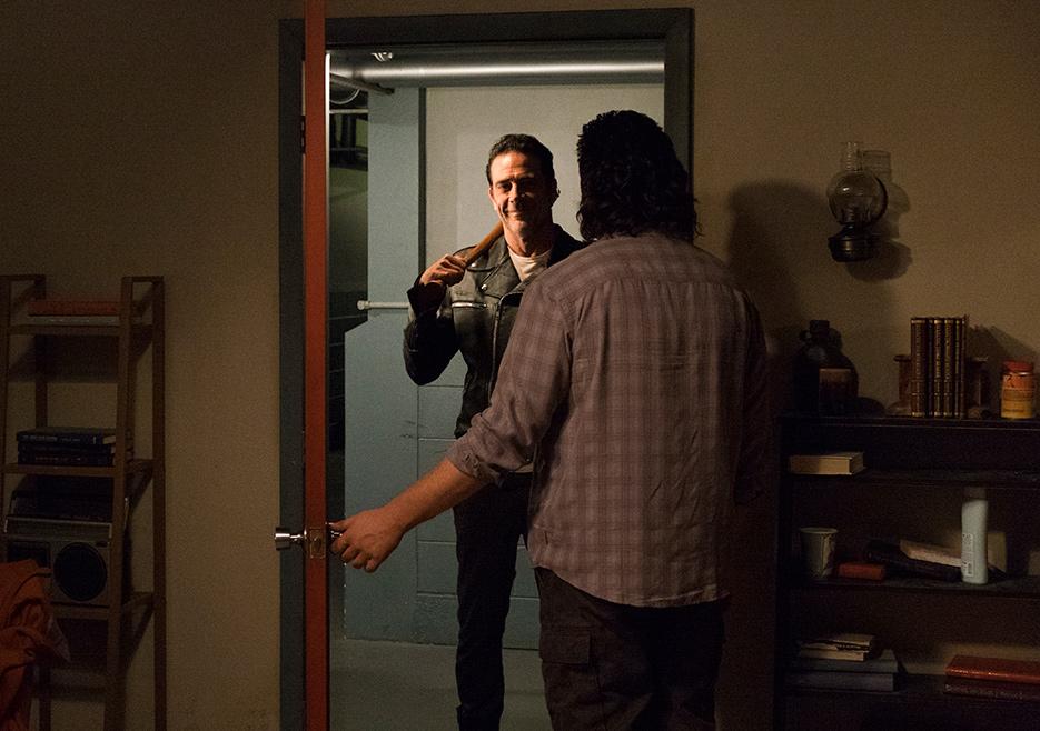The Walking Dead: Jeffrey Dean Morgan e Josh McDermitt in Hostiles and Calamities