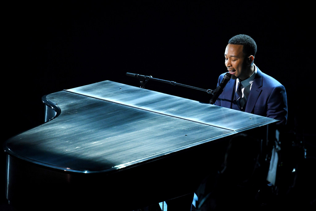 Oscar 2017: la performance di John Legend