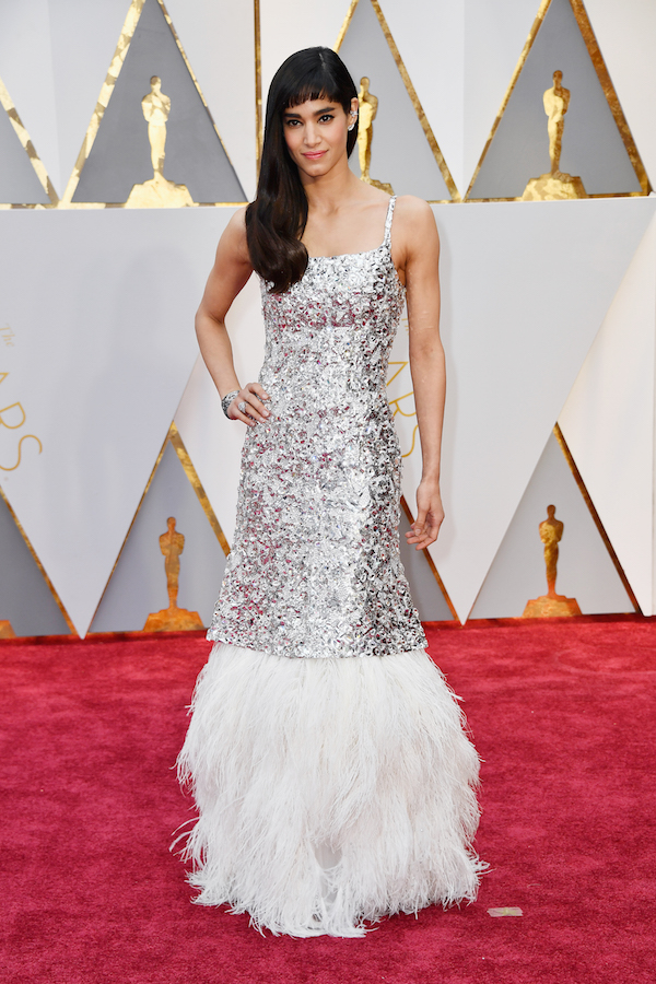 Oscar 2017: Sofia Boutella sul red carpet