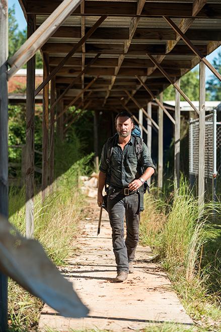 The Walking Dead: Andrew Lincoln interpreta Rick in una foto di Say Yes
