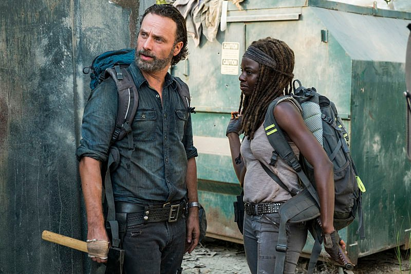 The Walking Dead: un'immagine di Andrew Lincoln e Danai Gurira in Say Yes