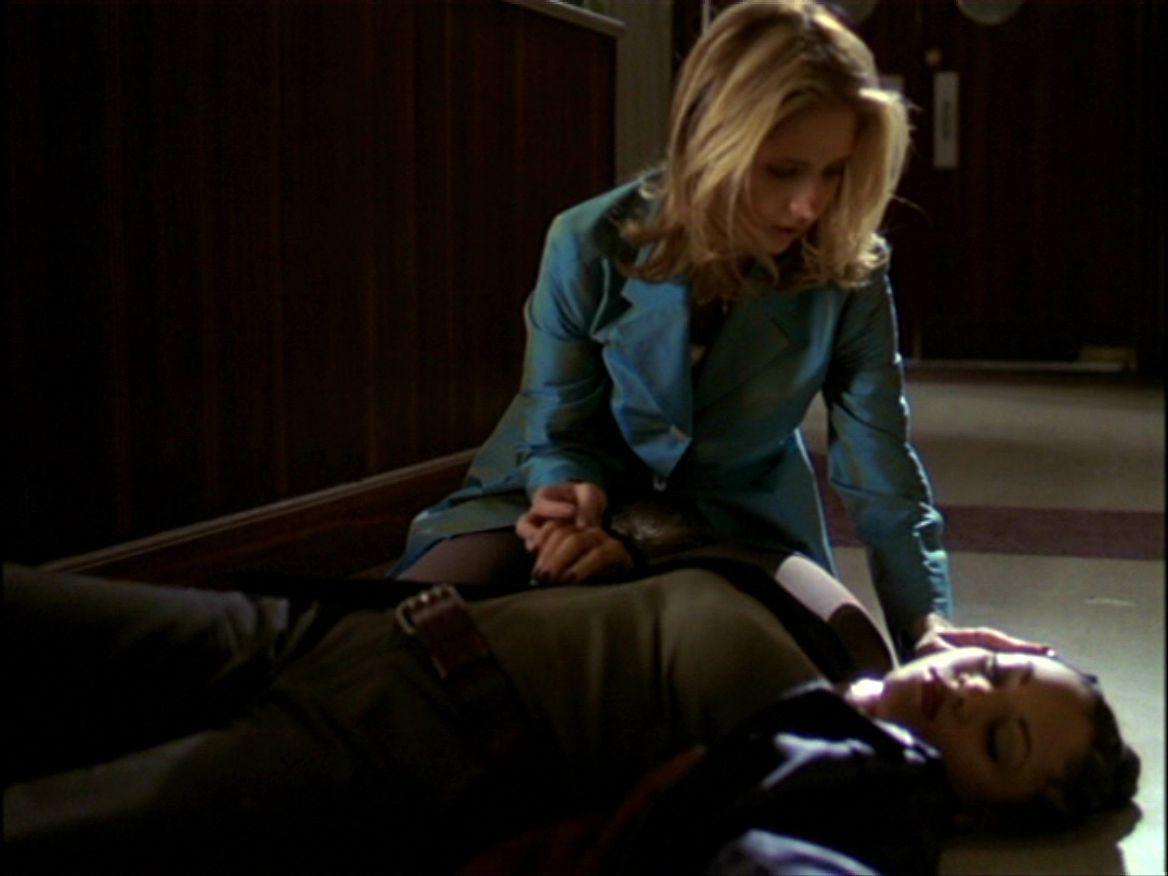 Buffy the Vampire Slayer: una scena dell'episodio L'inizio della storia, prima parte