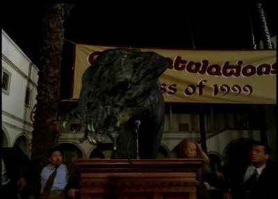 Buffy the Vampire Slayer: il sindaco trasformato in demone nell'episodio La sfida, parte 2