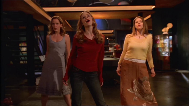 Buffy the Vampire Slayer: una scena dell'episodio La vita è un musical