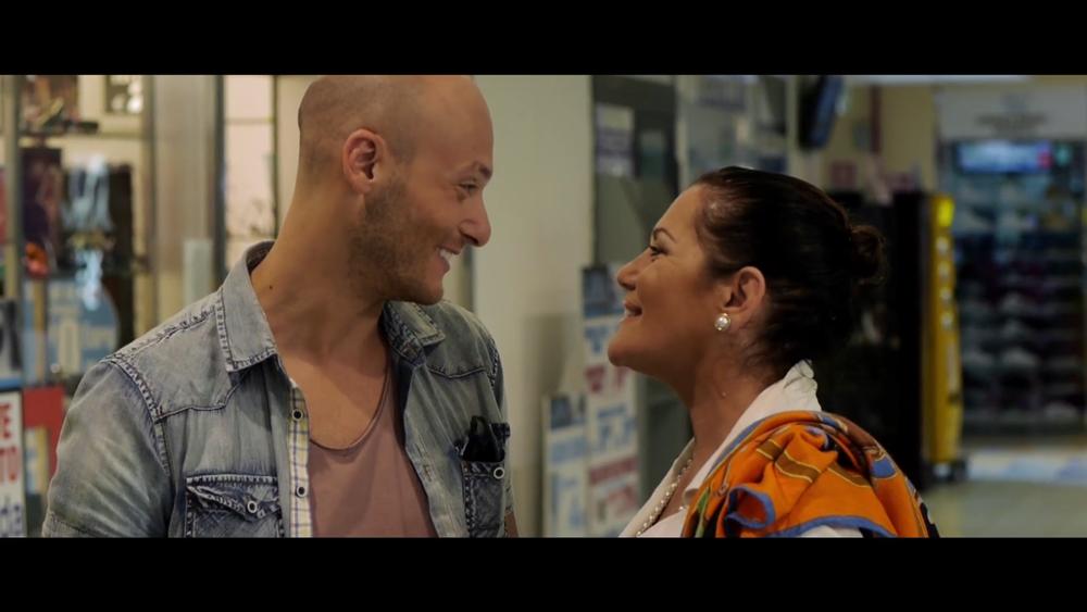Aeffetto domino: Fabio Massa e Cristina Donadio in un momento del film