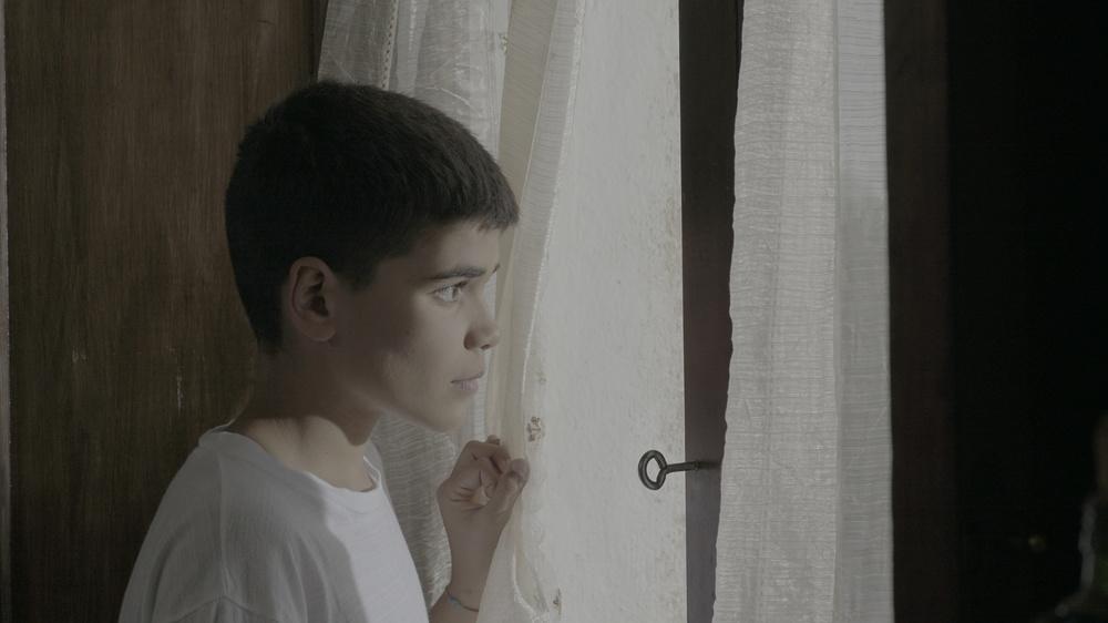 Moda mia: Francesco Desogus in una scena del film