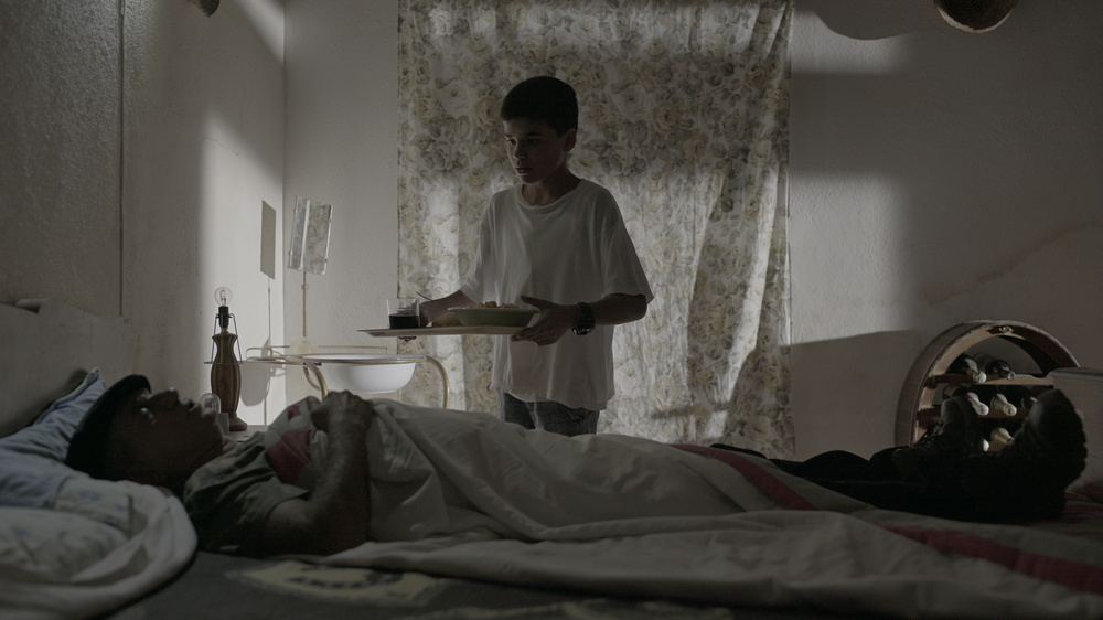 Moda mia: Francesco Desogus e Pino Ammendola in una scena del film