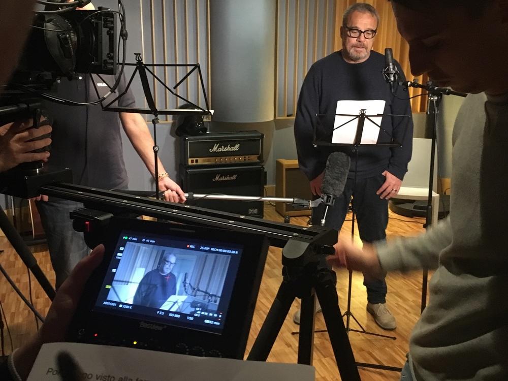 Pino Daniele - Il tempo resterà: Claudio Amendola in sala di registrazione per il documentario sul cantante napoletano