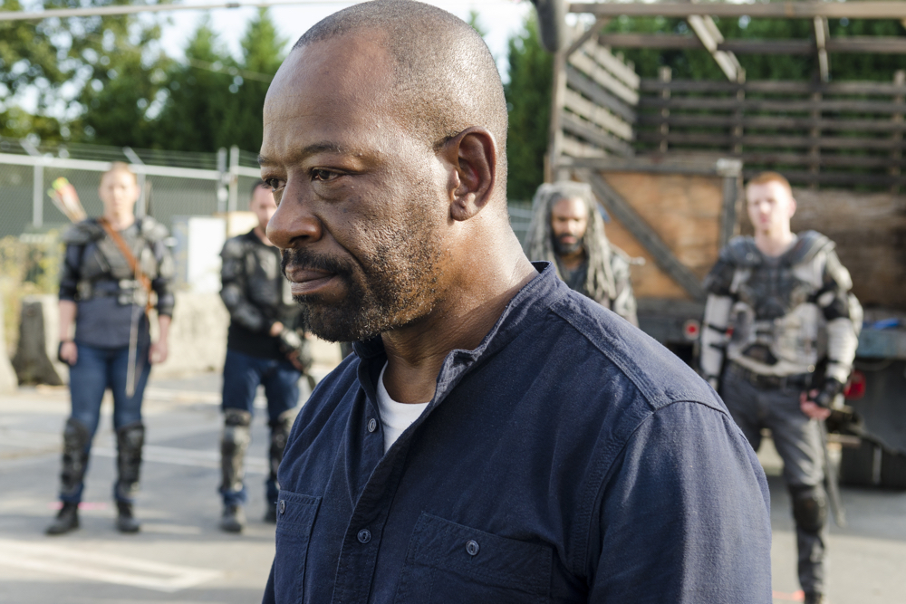 The Walking Dead: Lennie James in una foto di Bury Me Here