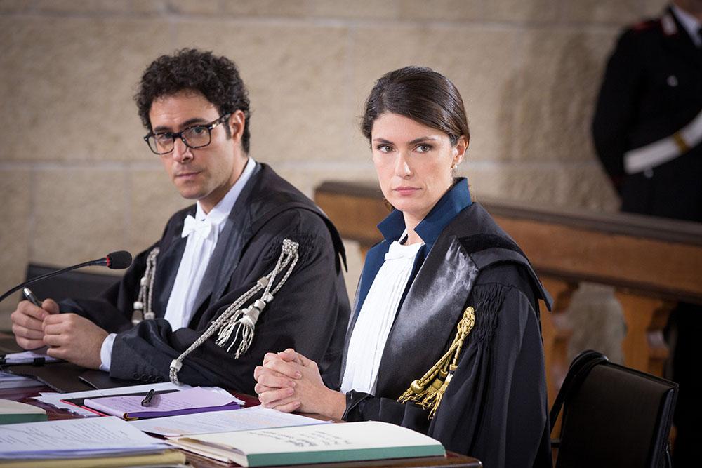 Sorelle: Alessio Vassallo con Anna Valle in una scena della fiction