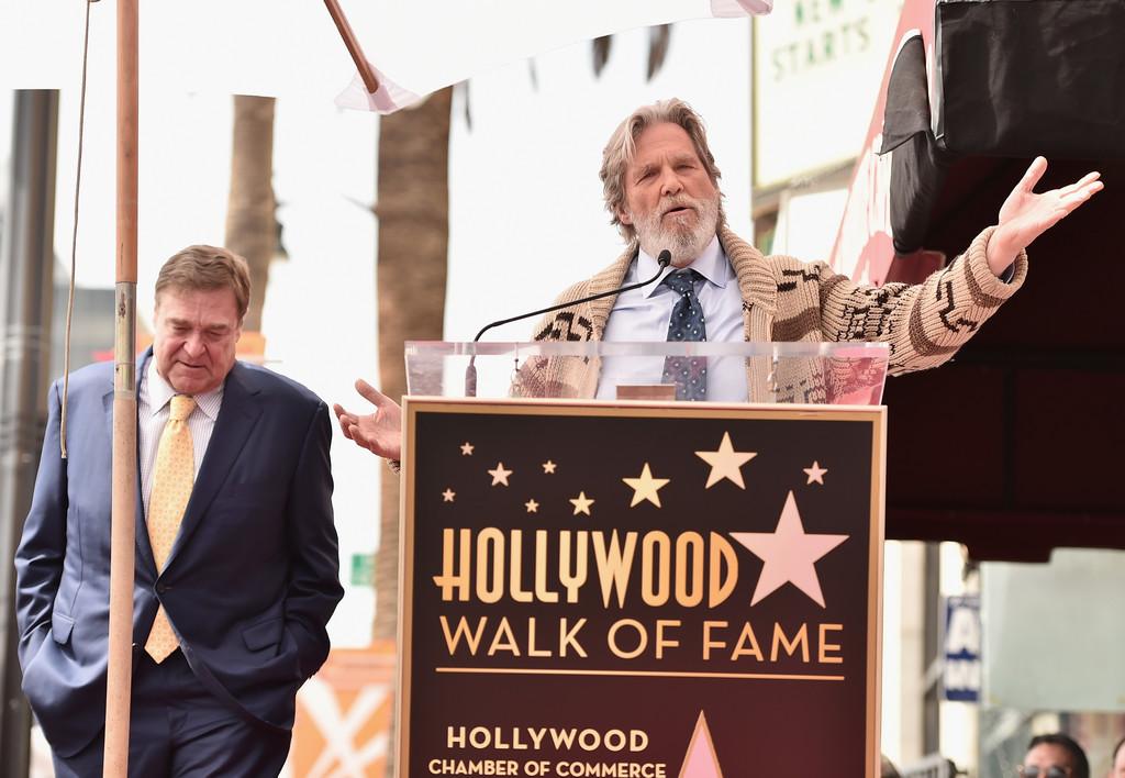 Jeff Bridges (di nuovo nei panni de Il grande Lebowski) con John Goodman nel 2017