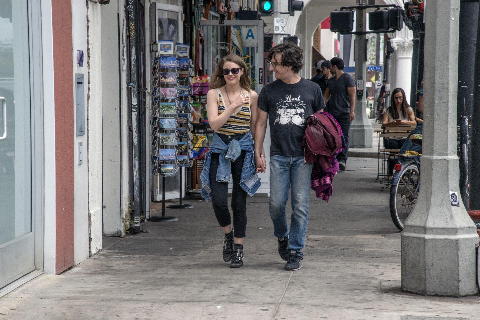 Love: un'immagine di Gillian Jacobs e Paul Rust