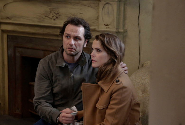 The Americans: i protagonisti Matthew Rhys e Keri Russell in Amber Waves