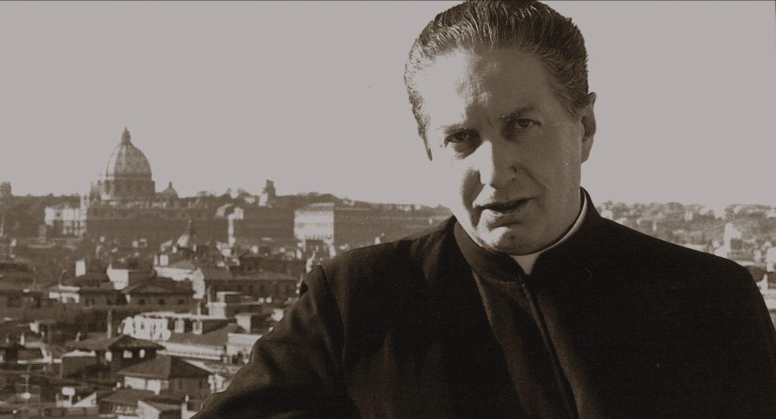 Vedete, sono uno di voi: Carlo Maria Martini ritratto in una foto mostrata nel film