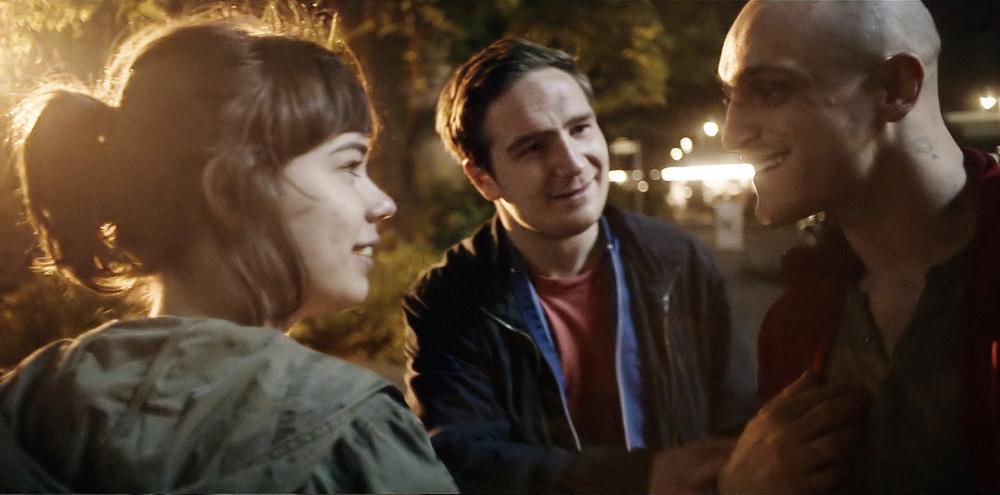 Victoria: Laia Costa, Franz Rogowski e Frederick Lau in un momento del film