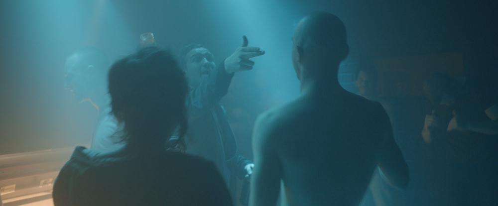 Victoria: Laia Costa, Franz Rogowski e Frederick Lau in una scena del film