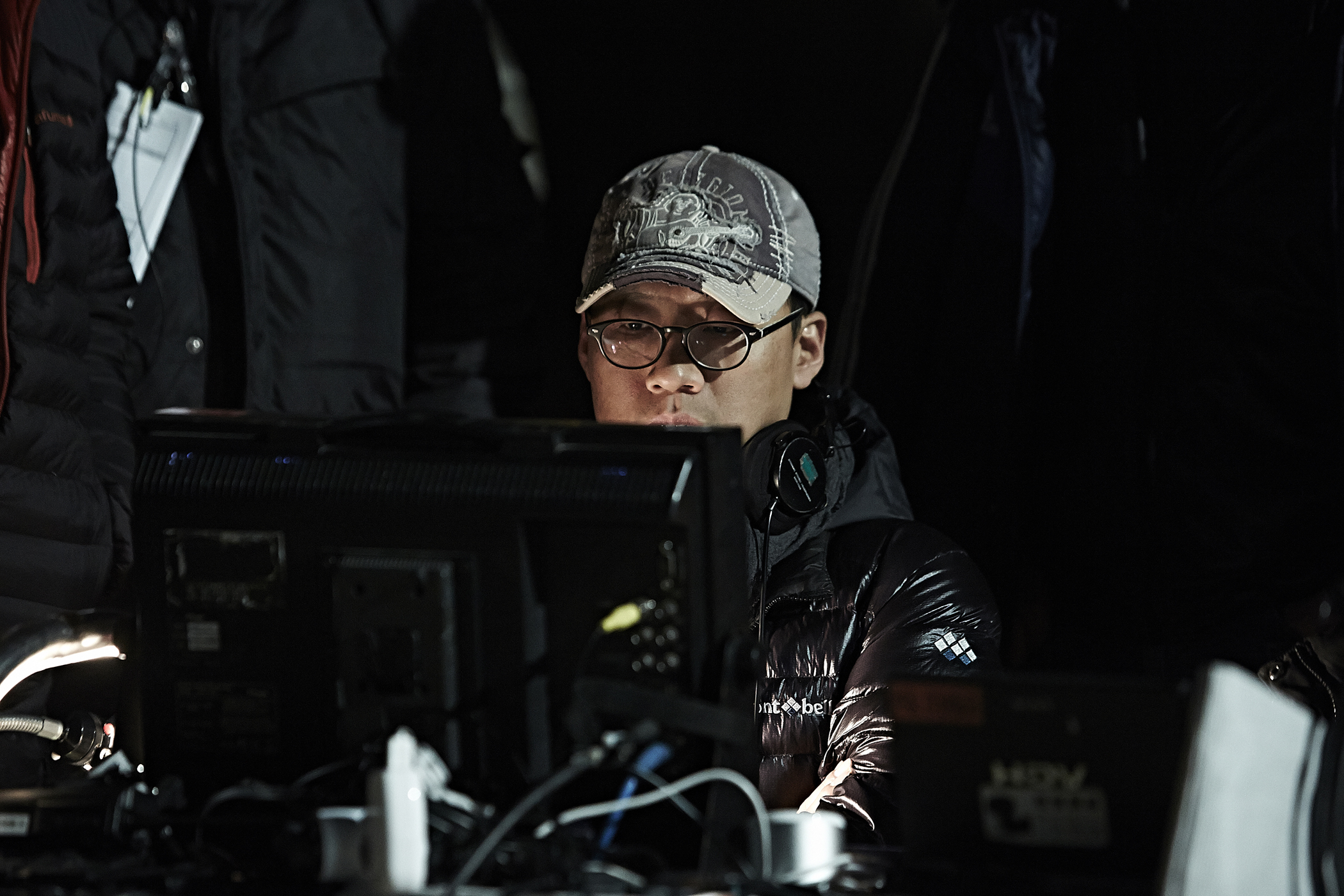 The Tunnel: il regista Kim Seong-hun sul set