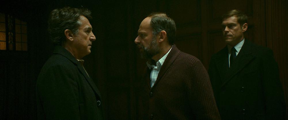 La meccanica delle ombre: François Cluzet e Denis Podalyds in una scena del film