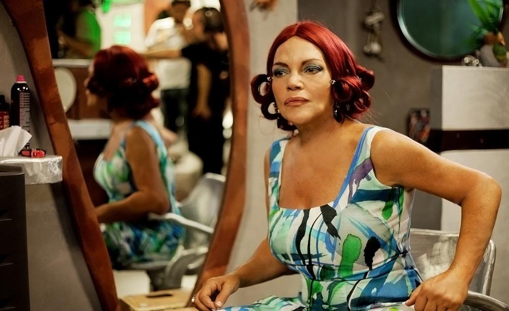 La parrucchiera: Cristina Donadio in una scena del film