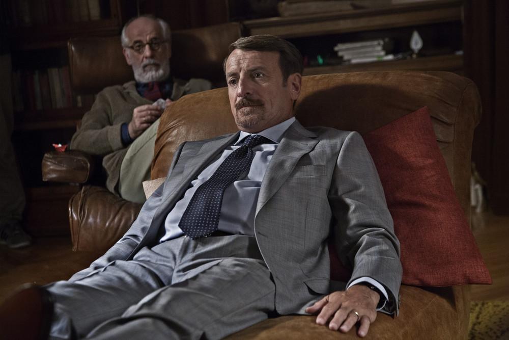 Lasciati andare: Giacomo Poretti e Toni Servillo in una scena del film