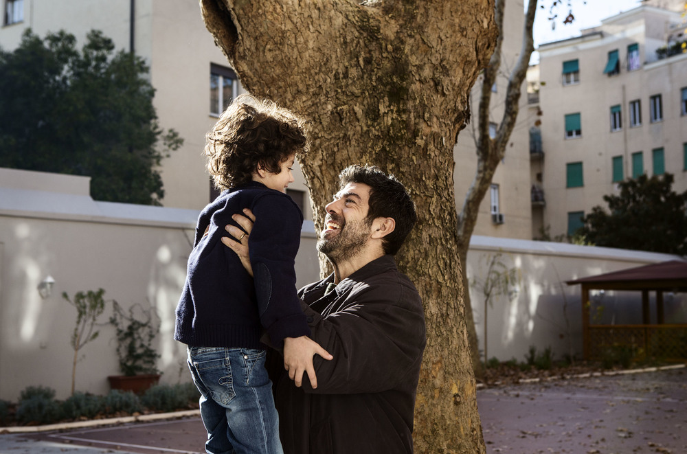 Moglie e marito: Pierfrancesco Favino in una scena del film